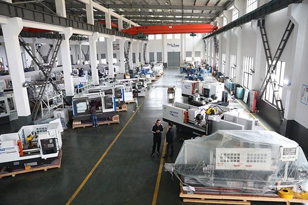 Grinding machine assembly workshop